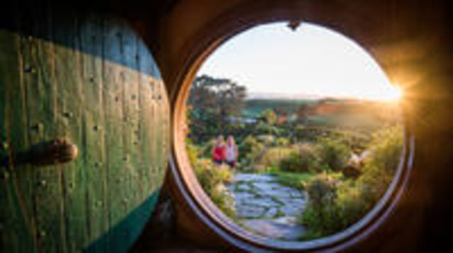 Photo of Hobbiton Movie Set & The Living Maori Geothermal Village, Small Group Rotorua Day Combo Tour