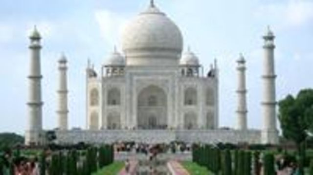 Photo of Full-Day Taj Mahal, Red Fort, and Fatehpur Sikri Tour from Agra